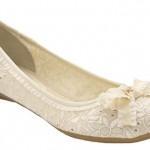 beyaz babet modeli 150x150 Yaz Aylarında Ayakkabı Şıklığı